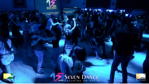 Taller de Rueda Cubana en la sesión de prácticas de la escuela Seven Dance