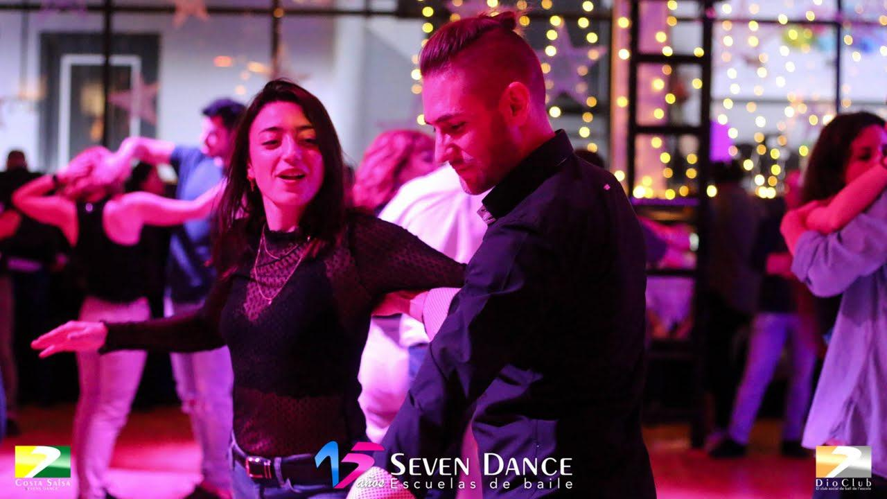 Clases de la escuela de baile de Salsa, Bachata y Bailes de Salón