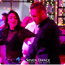 Clase de baile GRATUITA para curso TRIMESTRAL de iniciación a los SALSA de Abril a Junio repartido en 10h.