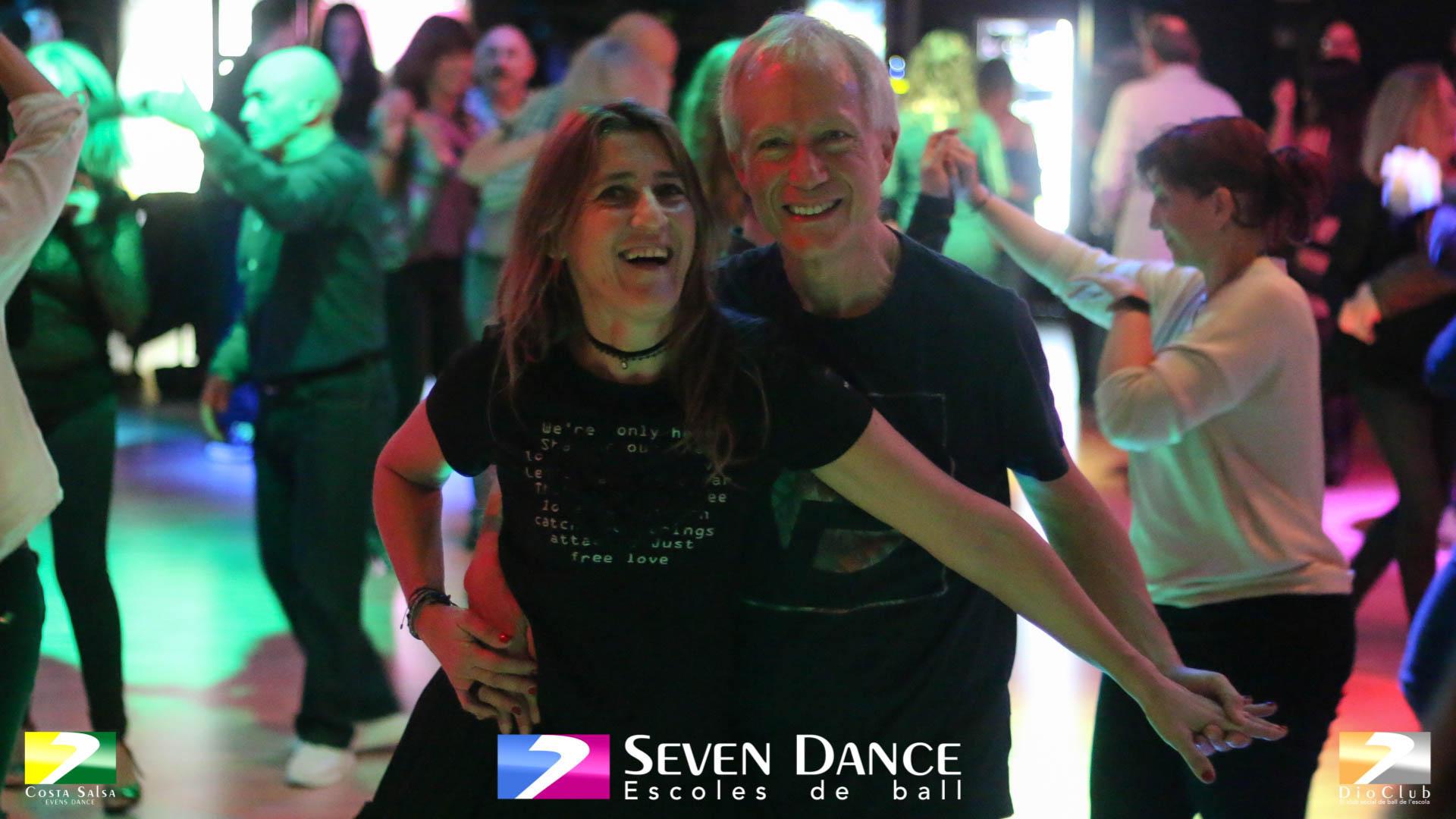 Salsa Seven Dance escuelas de baile Barcelona